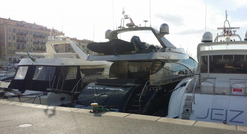 Black-pearl-boat